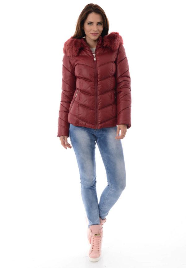 Modne zimowe kurtki puchowe dla kobiet