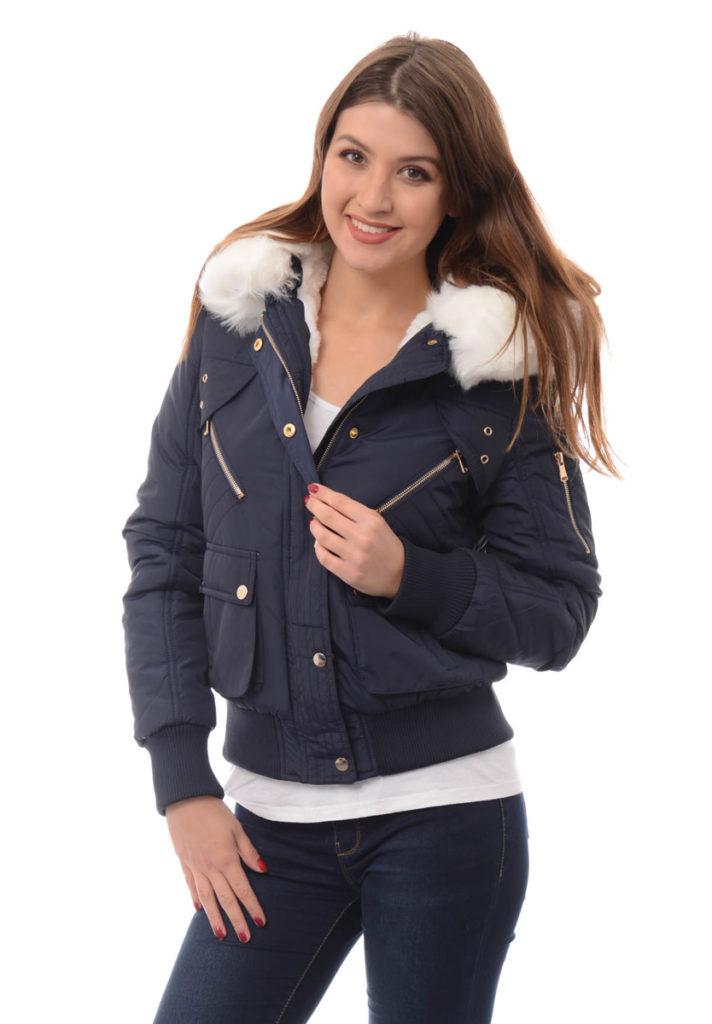 023243e980b55 Z koeli fanki mody spod znaku retro w tym sezonie zaproponować można też  nie mniej popularne zamszowe kurtki ozdobione frędzlami (typowe kurtki w  stylu ...